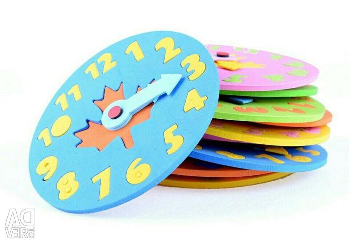 Часы игрушка новая