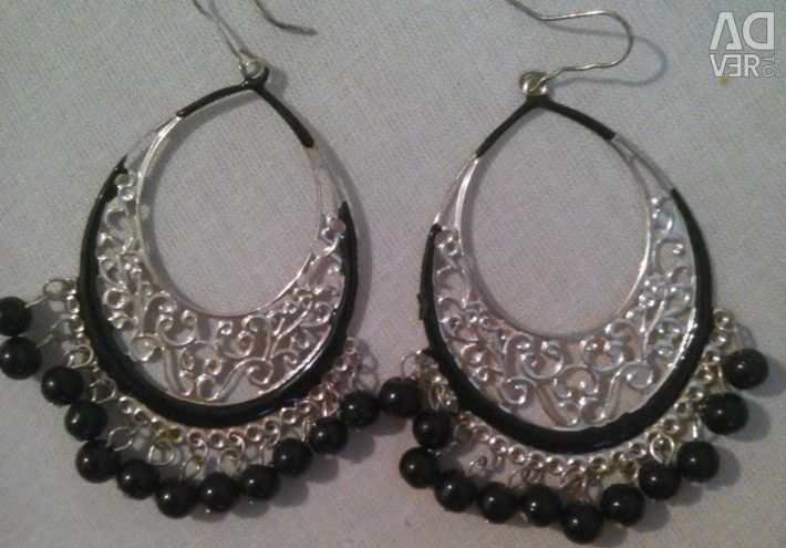 Earrings are in excellent condition