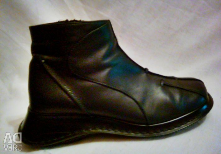 Шкіряні підлозі чобітки на широку стопу