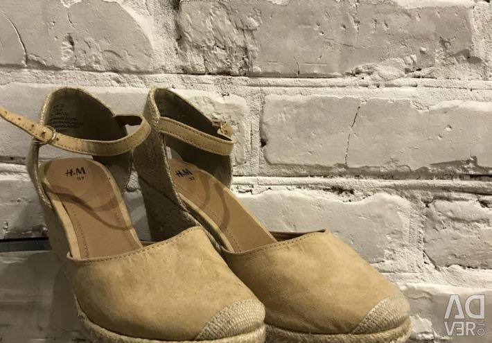 New Women's Sandals H & M