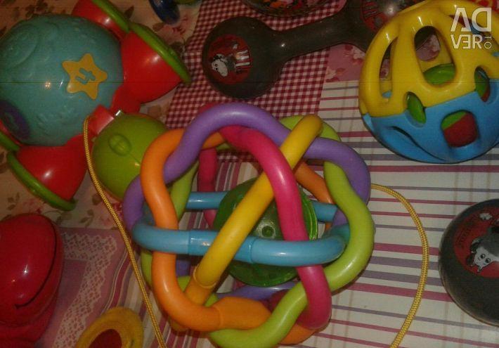 Pachet de jucării de la 6 luni