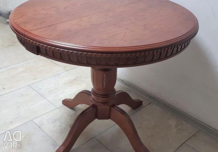 Κερασιά στρογγυλής τραπέζης