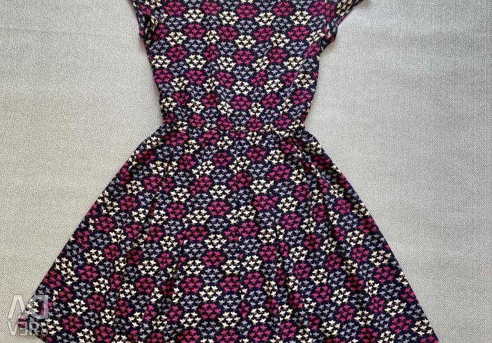 Φόρεμα 42-44 S με ελαστικό σε άριστη κατάσταση