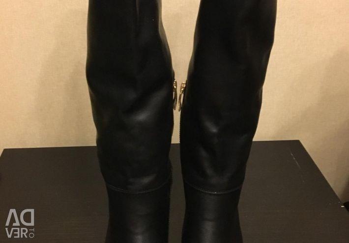 Нові чоботи р 36 кожзам