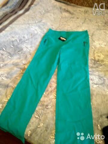 Новые брюки размер 50-52 с этикеткой