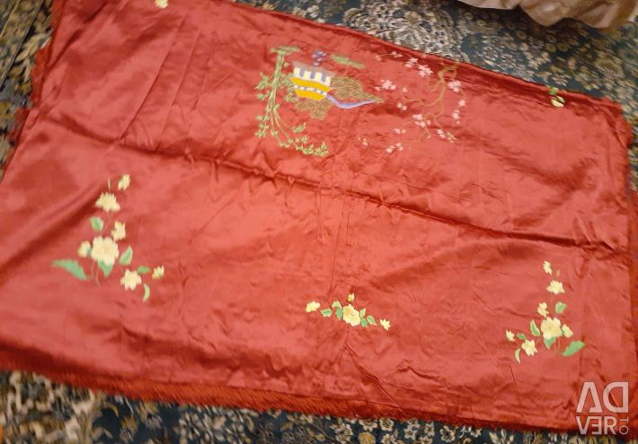 The bedspread is silk. Production Japan.