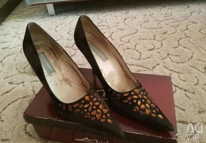 39 numara ayakkabılar