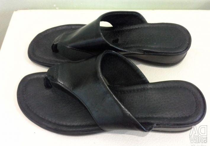 Leather Clogs size 39