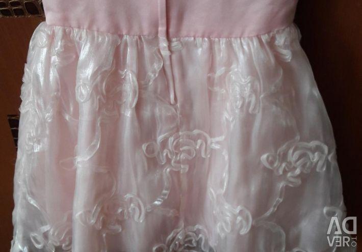 Розовое платье для принцессы