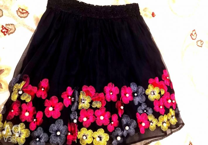 🌸Gucci🌺 black skirt with flowers