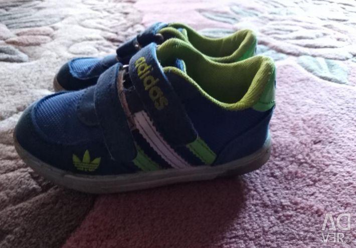 Sneakers Adidas r. 24