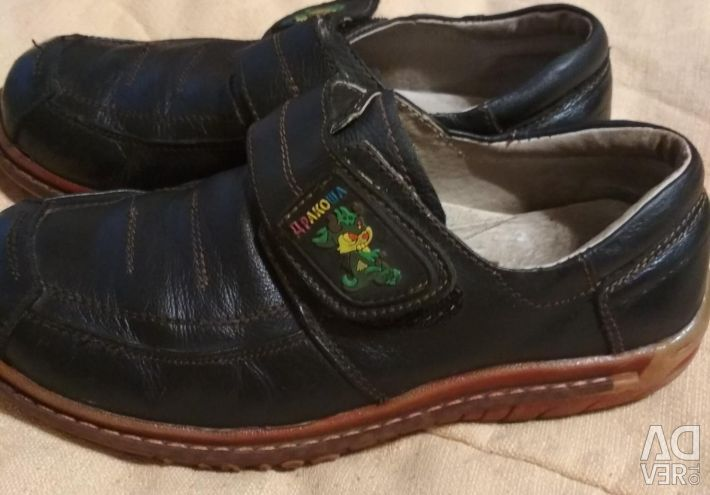 Children's leather shoes