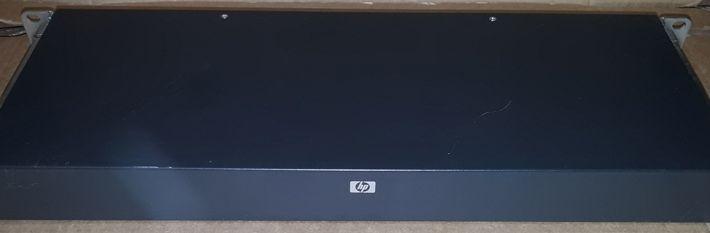 HP 336045-B21 KVM Switch