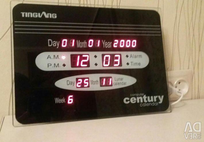 Digital clock calendar
