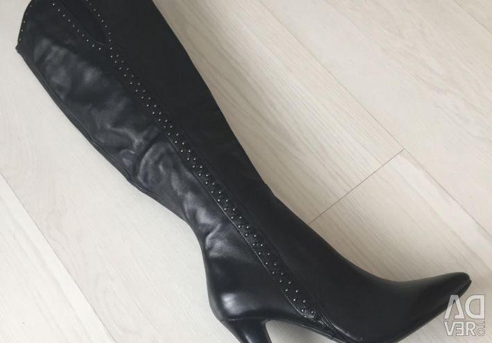 New autumn boots natural