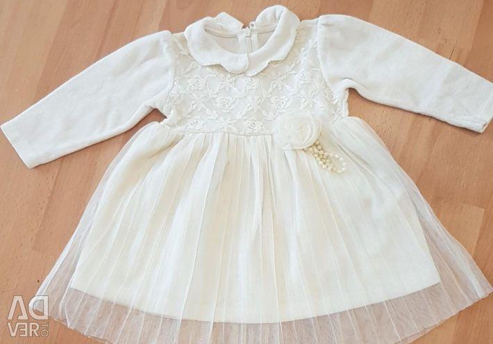 Κομψά φορέματα σε otlich.sost από 6 μήνες έως 1 έτος.