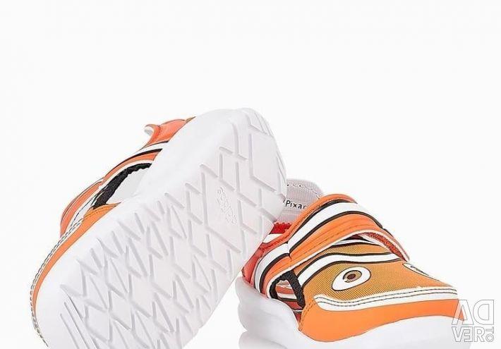 Νέα σανδάλια adidas disney hemo