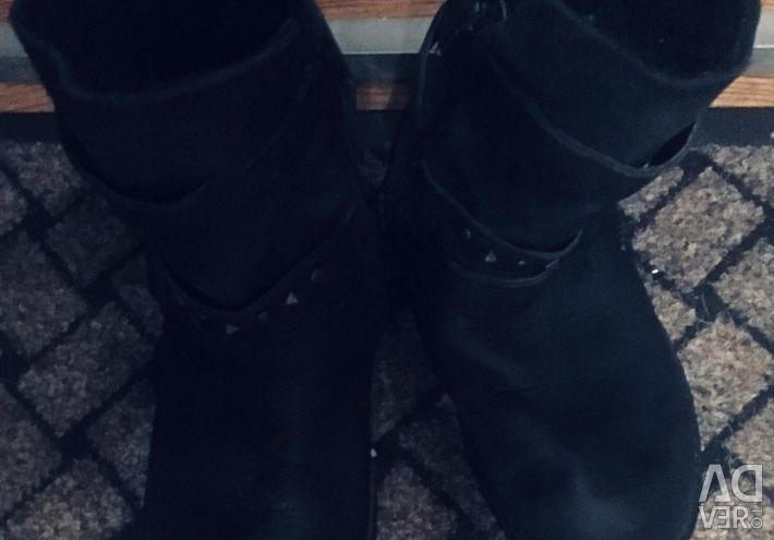 Ecco pantofi mici