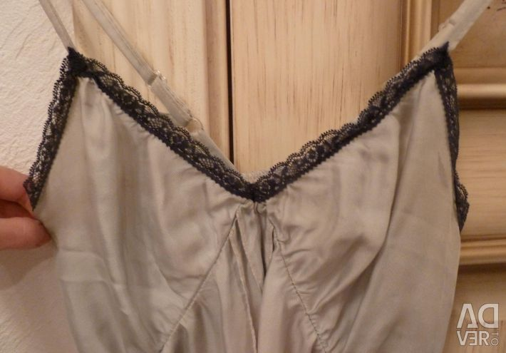 Female top in linen style