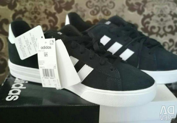 Нові Adidas рр 40-44