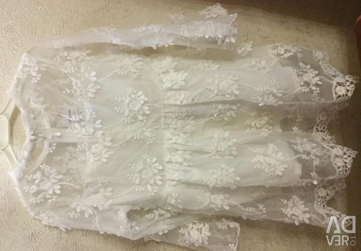 Dress made of real lace for the princess