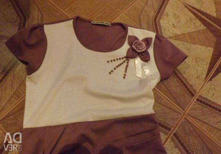Dress for slender girls (with roses)