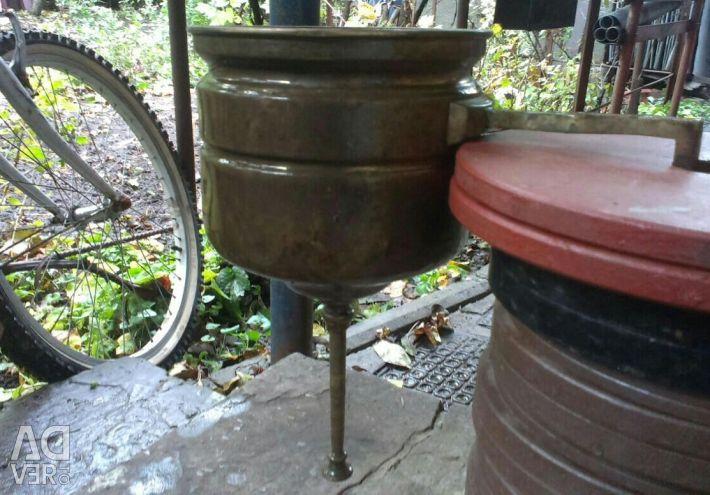 Brass washbasin dense