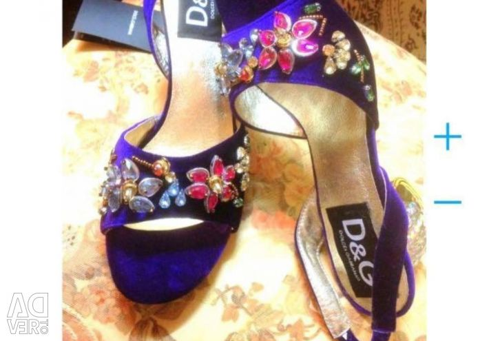 New Dolce and Gabbana sandals