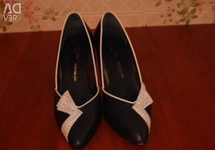 Pantofi albaștri întunecați cu arcul p 39