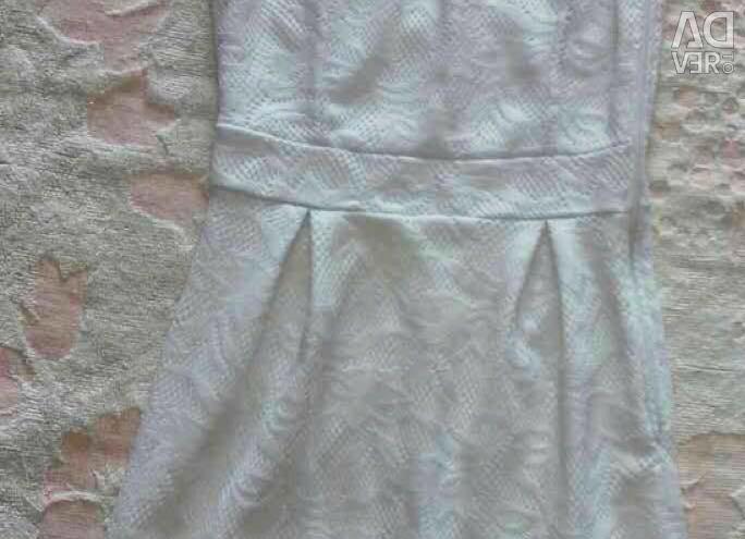 Φόρεμα σε κοκαλιάρικο