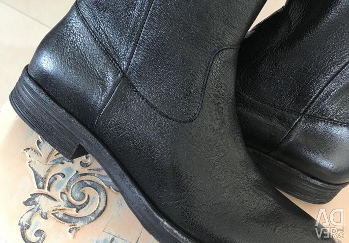 Boots ITALIA 🇮🇹 NEW leather