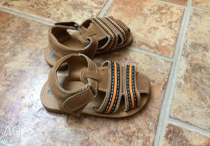 Нові сандалі 19 розмір