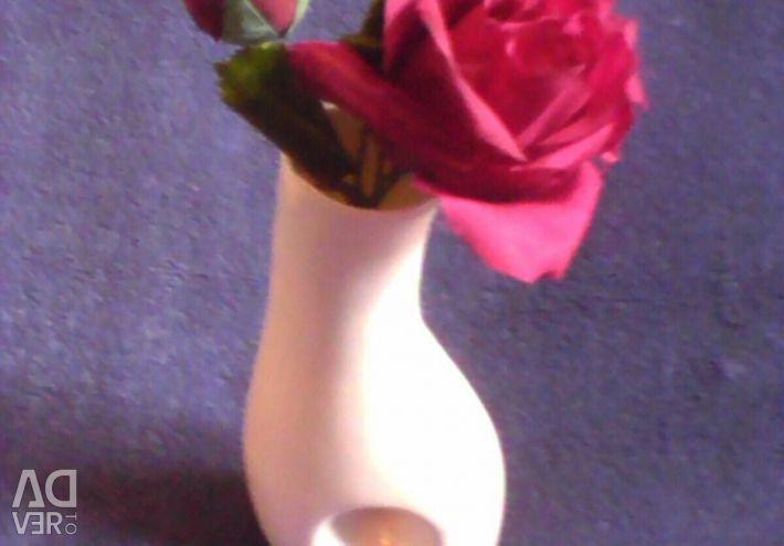 Bir çiçek için vazo 21cm.