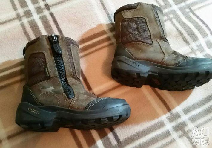 Οικολογικές χειμωνιάτικες μπότες Ecco