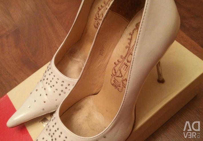 Παπούτσια γάμου μεγέθους 39