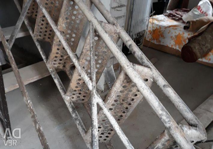 Stairs: Metal