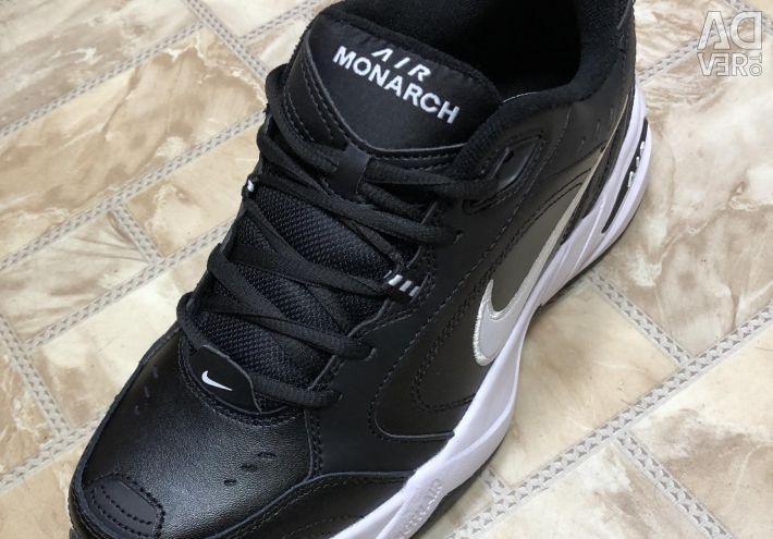Nike Air Monarch adidasi