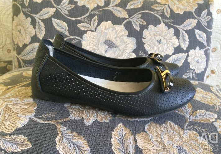 Shoes flats from genuine leather size 38
