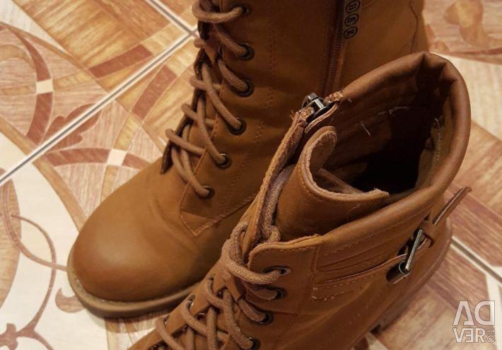 Γυναικείες μπότες.