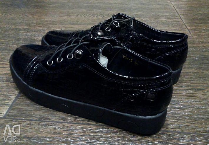 Kadın düşük ayakkabı