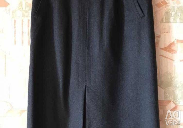 Skirt wool