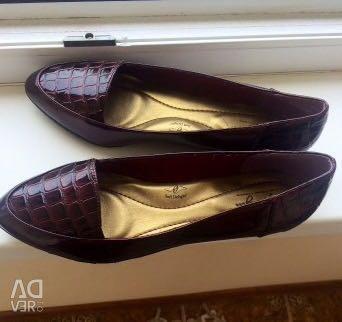 Новые туфли 39-40