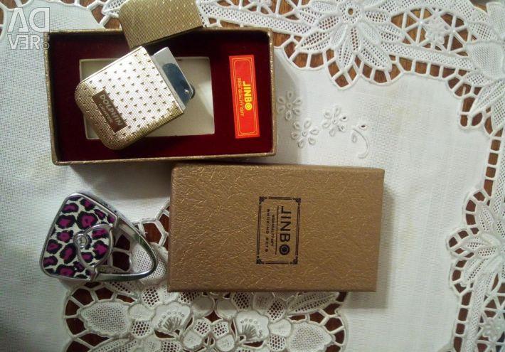 Gift lighters.