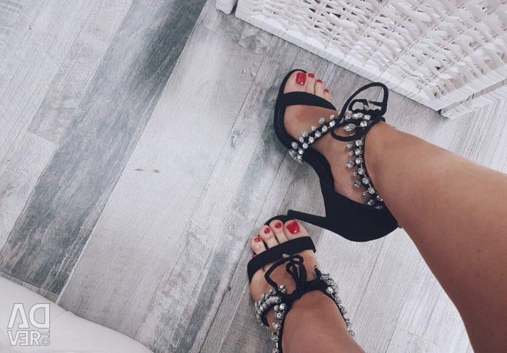 Black sandals size 37