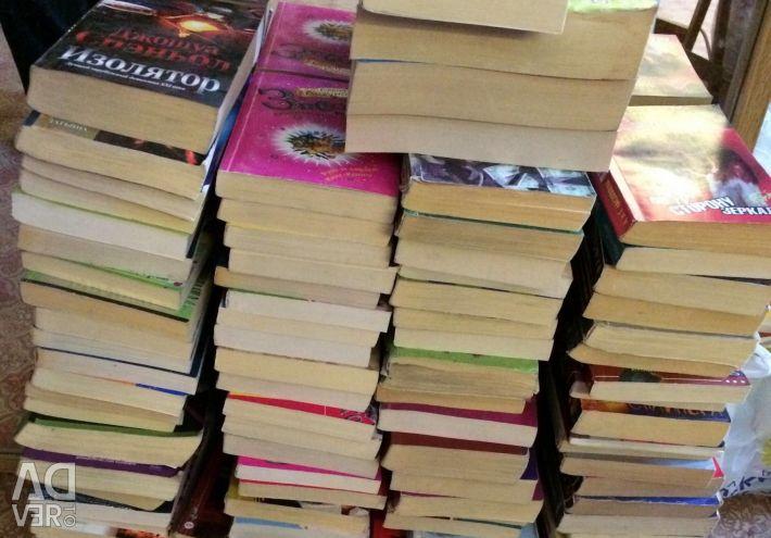Female detectives and novels