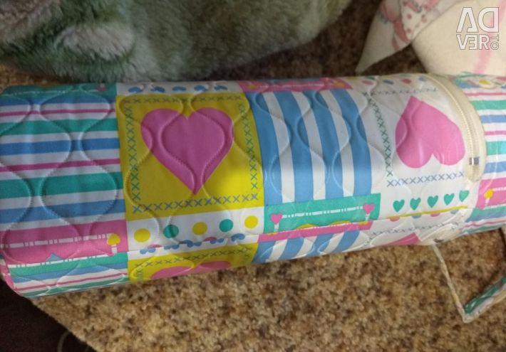 Для малюка пакетом + пляшечки і термос