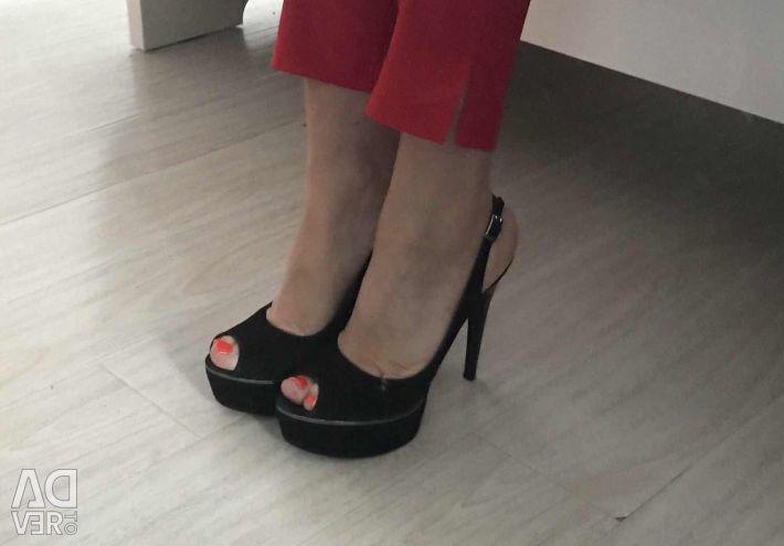 Новые Туфли на шпильке 800