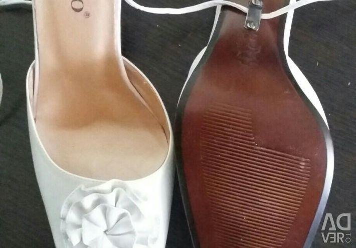 Sandale alb / nou