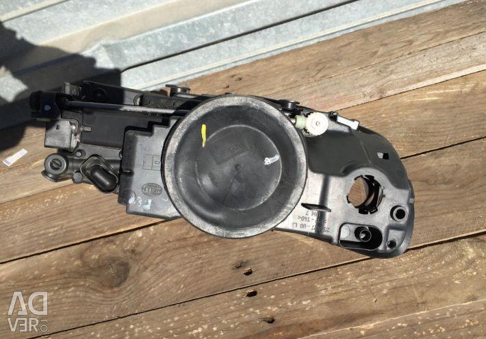 Volkswagen Tuareg Headlight left