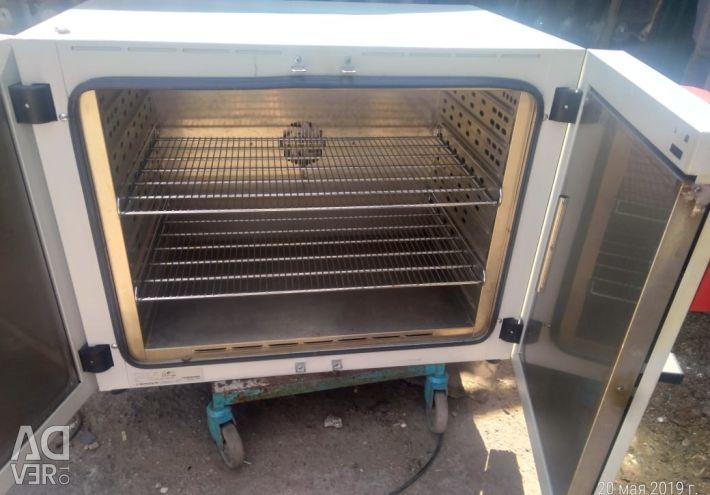 Uscator de caldura uscata BINDER FD 240 de lucru